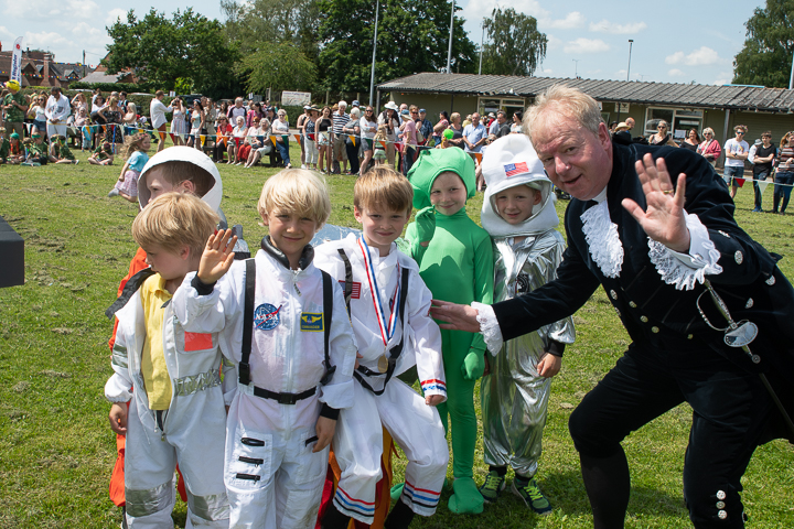 <h2>Bunbury village Day 2019</h2><div class='slide-content'><p><span class='highlight'>High Sheriff with the winners of the best parade entry</span></p></div>